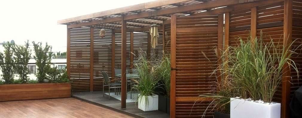 Ogród na dachu z nutką orientu: styl , w kategorii Balkon, taras i weranda zaprojektowany przez GREENERIA
