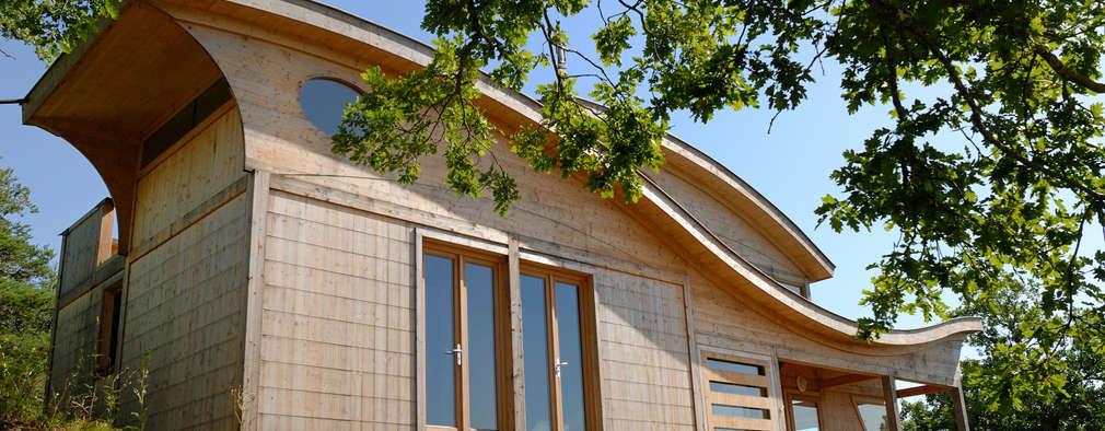 Maison écologique de José Bové: Maisons de style de style Moderne par eco-designer