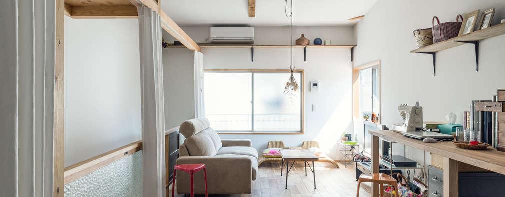 eclectic Living room by coil松村一輝建設計事務所
