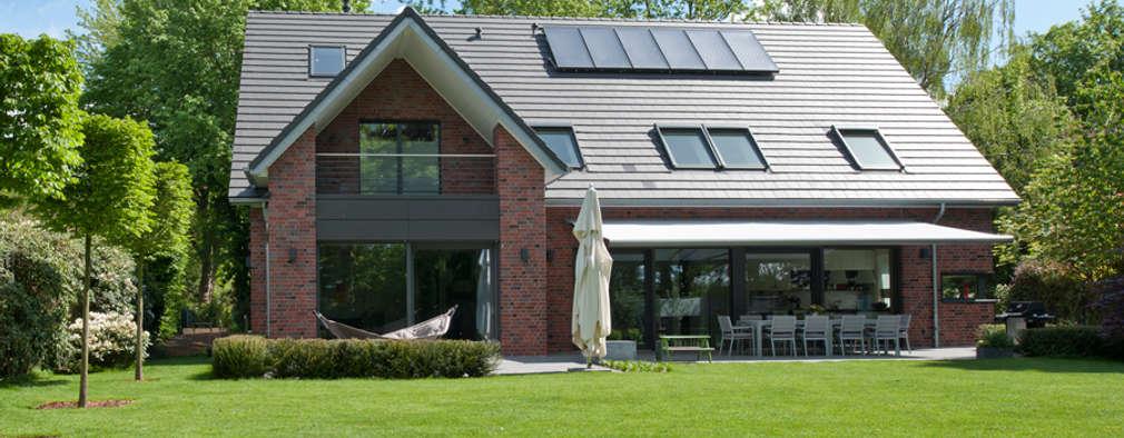 Projekty, klasyczne Domy zaprojektowane przez Architekturbüro J. + J. Viethen