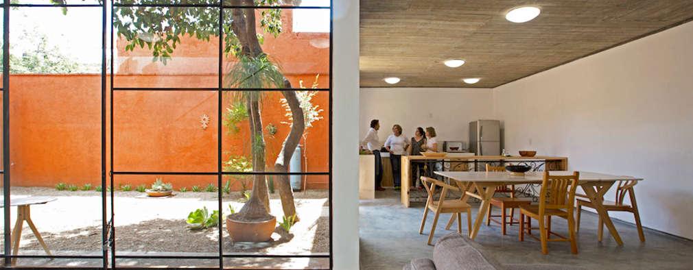 modern Living room by rOOtstudio