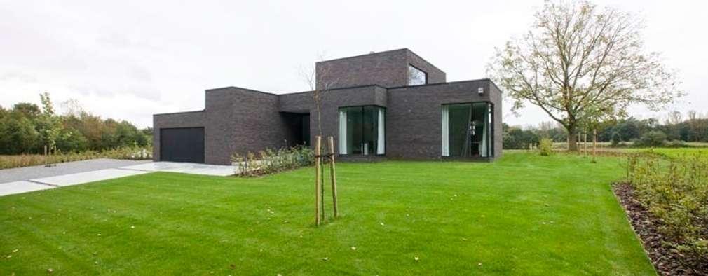 Maisons de style de style Moderne par hasa architecten bvba