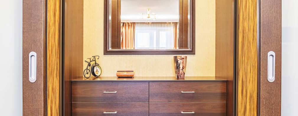 Уютная квартира в теплых  тонах: Коридоры, прихожие, лестницы в . Автор – Ольга Макарова (Экодизайн)