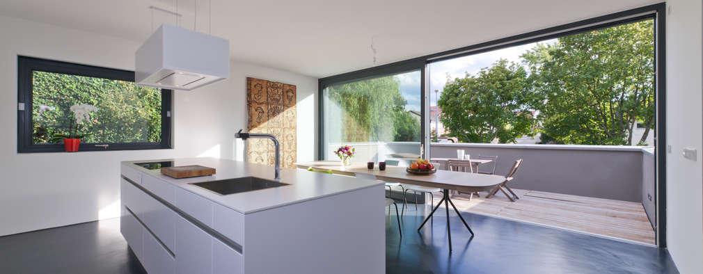 Projekty,  Kuchnia zaprojektowane przez Architekturbüro Dongus