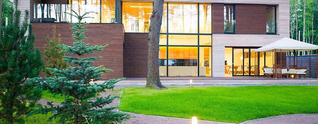 Дом в загородном поселке «Охтинский парк»: Дома в . Автор –  Aleksandr Zhydkov Architect