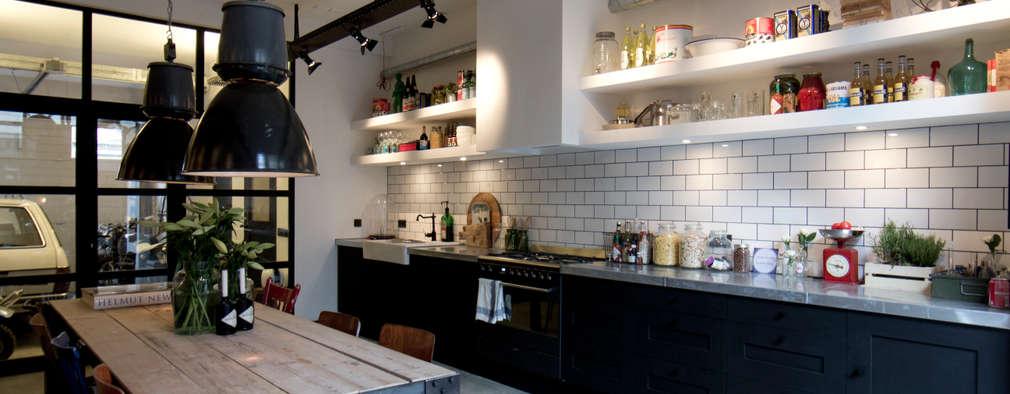 Cocinas de estilo industrial por BRICKS Studio