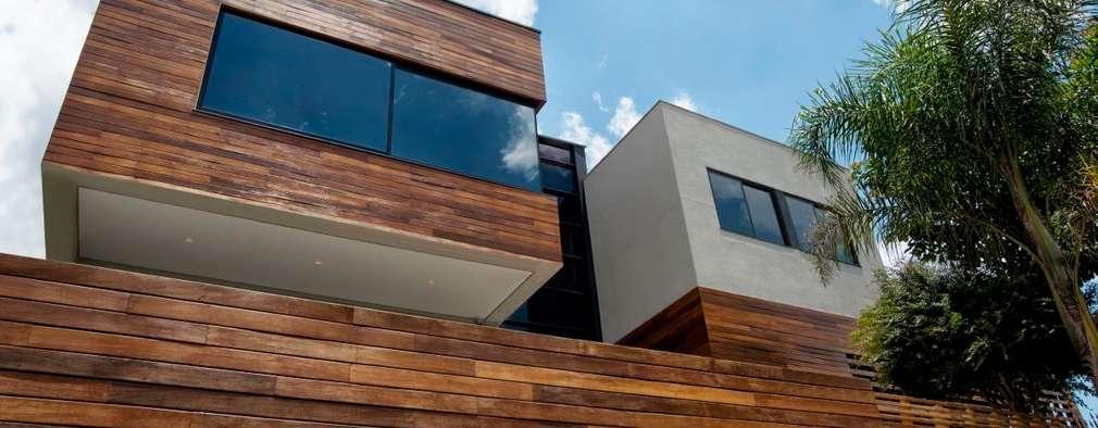 10 ideas con madera para el portón de tu casa