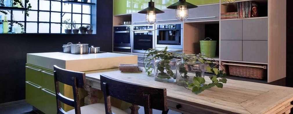 Cocinas de estilo ecléctico por MARIANGEL COGHLAN