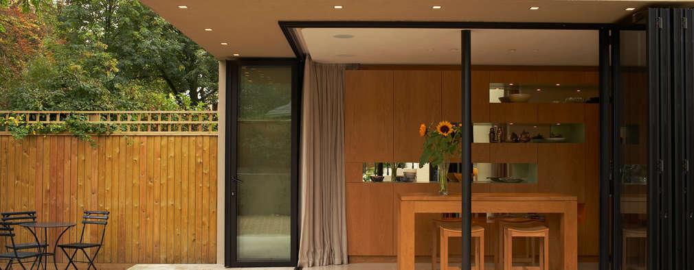 Ruang Makan by Jonathan Clark Architects