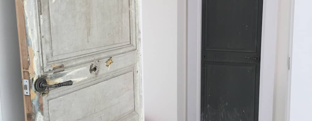 Ingresso & Corridoio in stile  di La Californie