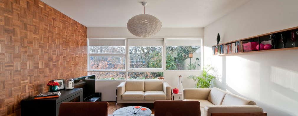Salon de style de style Moderne par CARL TRENFIELD ARCHITECTS