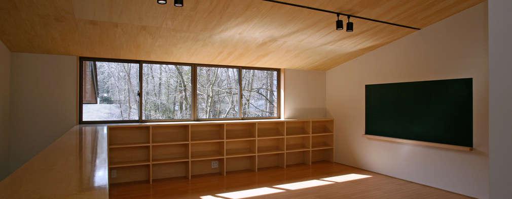 scandinavian Nursery/kid's room by 設計事務所アーキプレイス