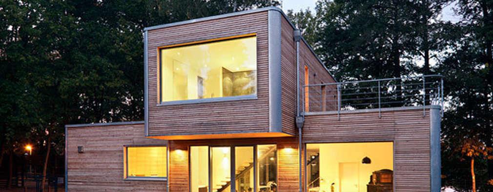 Projekty, nowoczesne Domy zaprojektowane przez Müllers Büro
