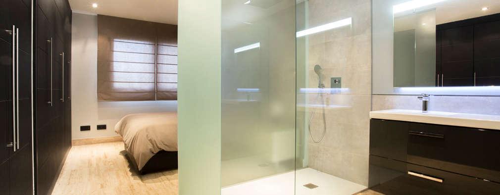 minimalistic Bathroom by Empresa constructora en Madrid
