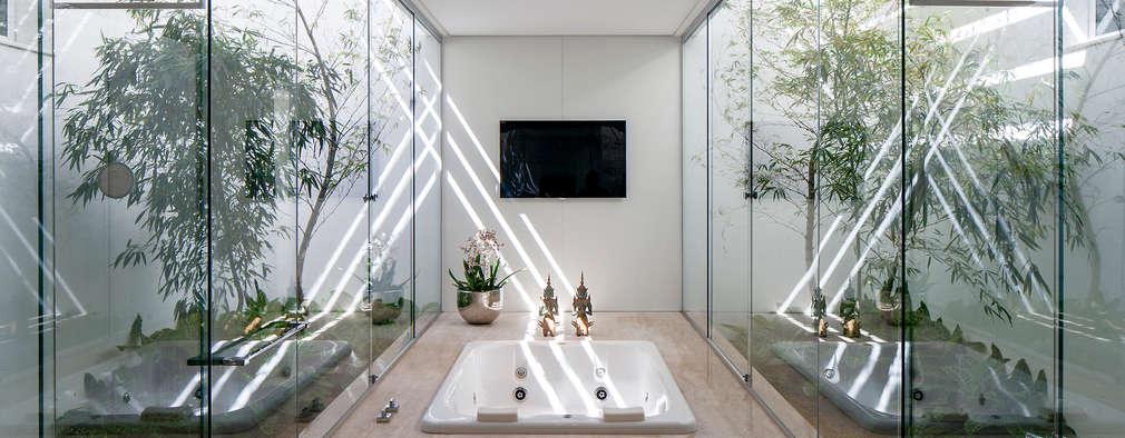 Aguirre Arquiteturaが手掛けた浴室