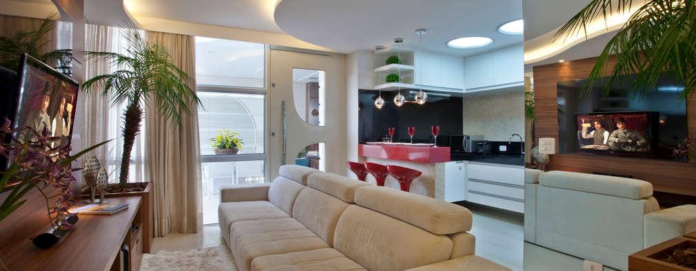 Livings de estilo moderno por Designer de Interiores e Paisagista Iara Kílaris