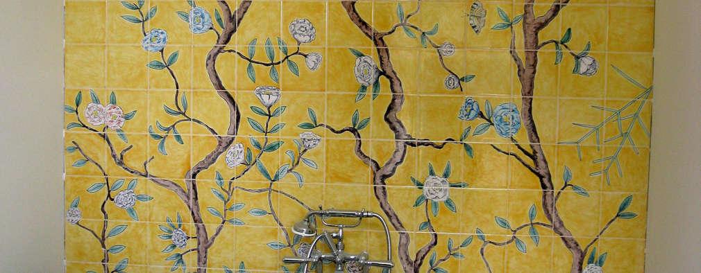 Baños de estilo asiático por Reptile tiles & ceramics