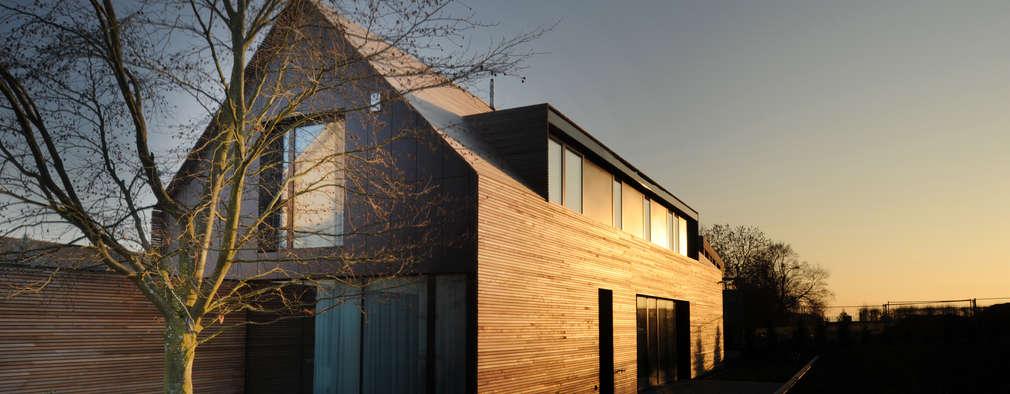 Projekty, klasyczne Domy zaprojektowane przez STEINMETZDEMEYER architectes urbanistes