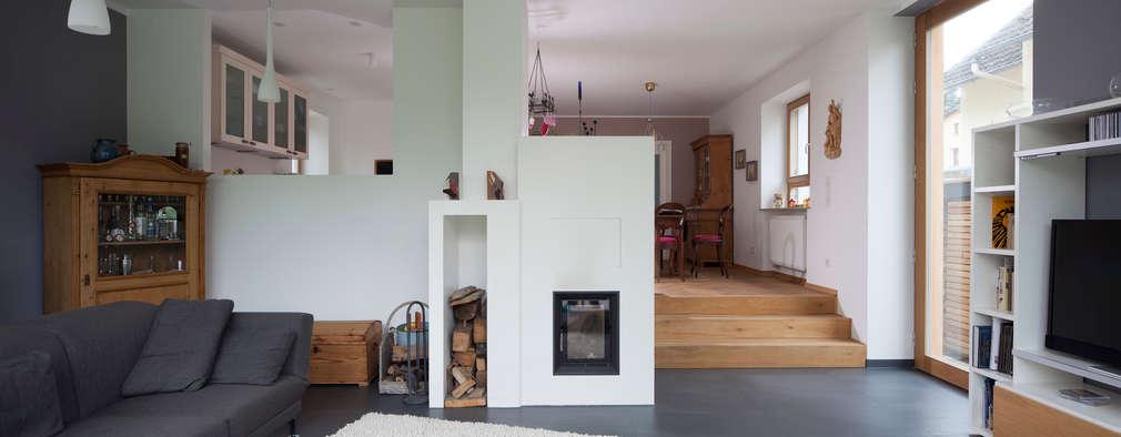 modern Living room by Gerstner Kaluza Architektur GmbH