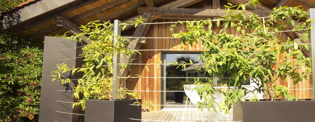 Bacs Image'In / Treillis pour plantes grimpantes: Maisons de style de style eclectique par ATELIER SO GREEN