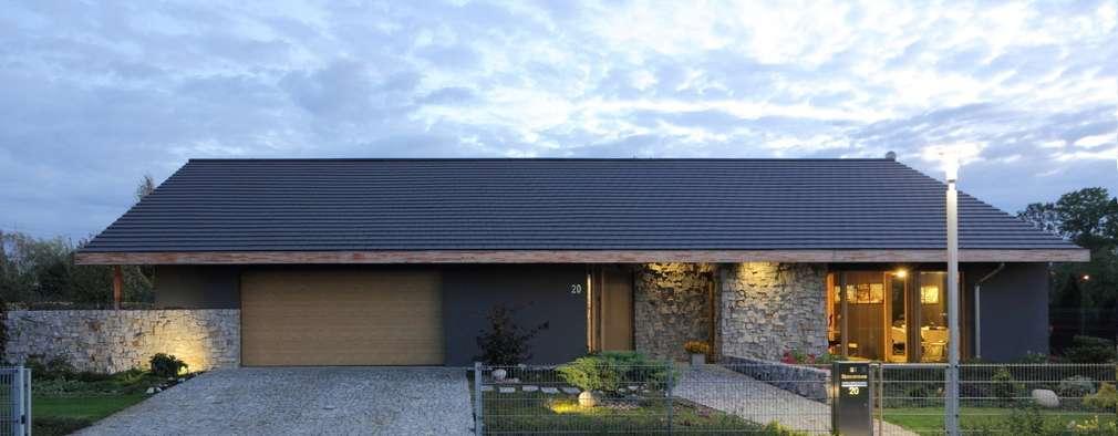 Dom Miejski-Wiejski  architop.com.pl: styl , w kategorii  zaprojektowany przez Architop Andrzej Zatwarnicki