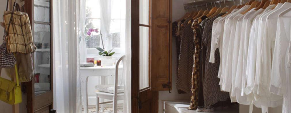 Vestidores y closets de estilo ecléctico por Deu i Deu