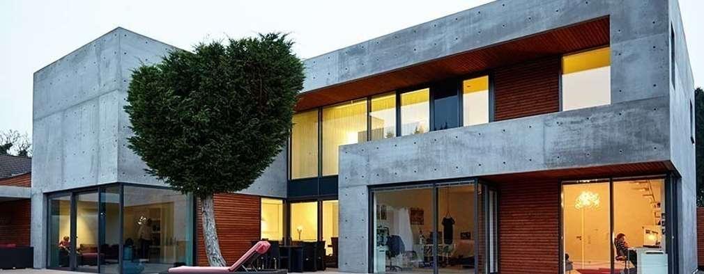 Ansicht Garten I: moderne Häuser von wirges-klein architekten