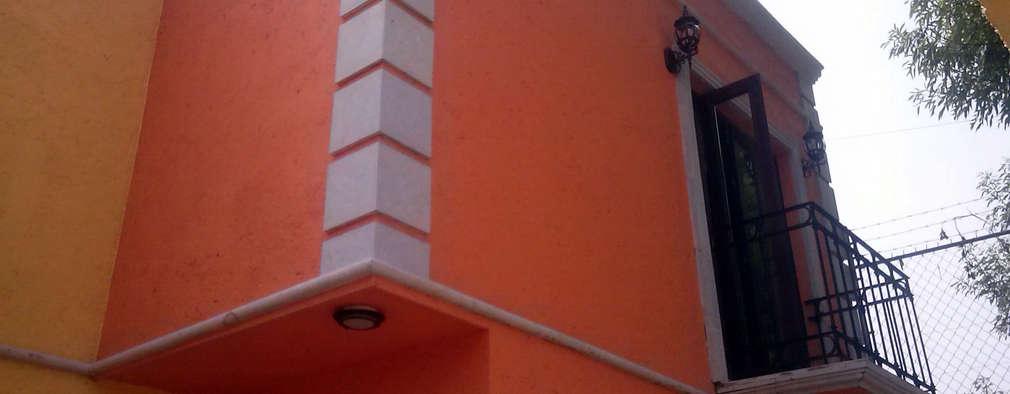 Fachada Principal: Casas de estilo colonial por Estudio Ideas