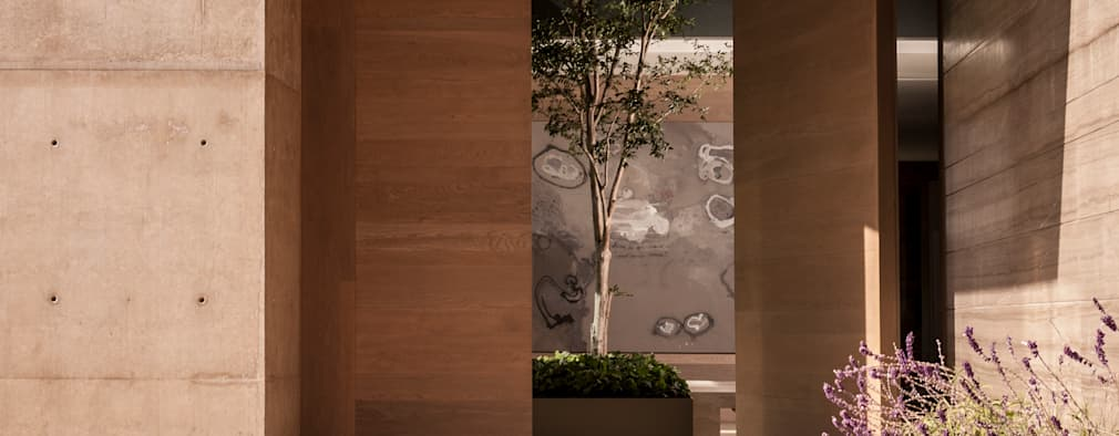 Casa ML: Puertas principales de estilo  por Gantous Arquitectos