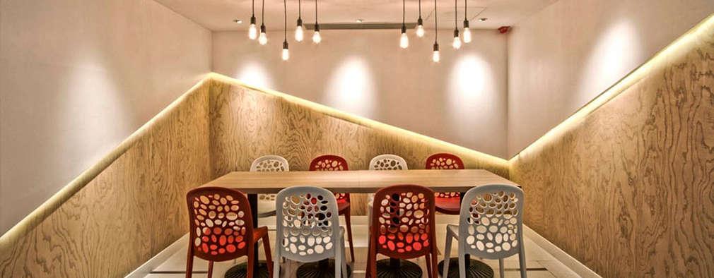 Коммерческие помещения в . Автор – PLOTCREATIVE Interior Design Ltd