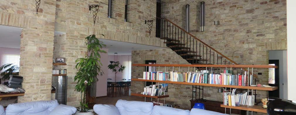 Livings de estilo rural por Studio di Bioarchitettura Brozzetti Adriano