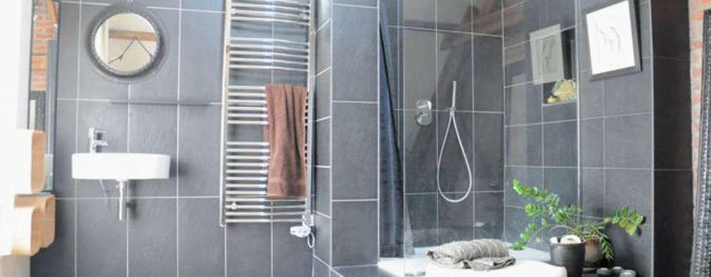 Baños de estilo minimalista por idée ô logis