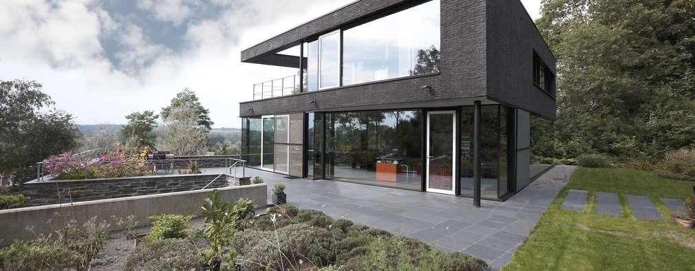 modern Houses by CONIX RDBM Architects