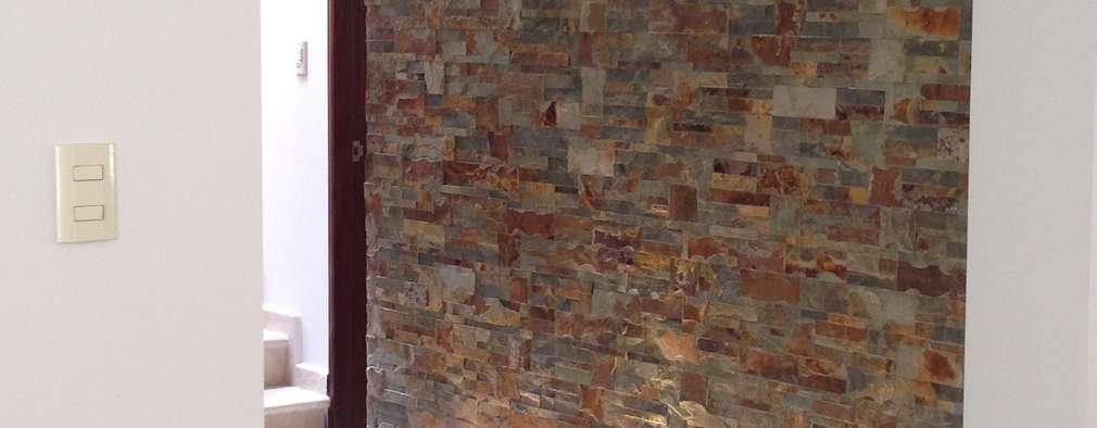 VESTIBULO TERMINADO : Pasillos y recibidores de estilo  por Alejandra Zavala P.