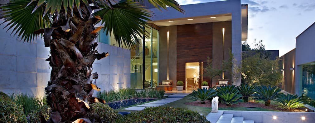 Casas de estilo moderno por Gláucia Britto