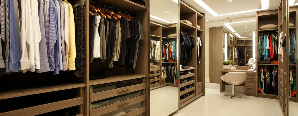 Vestidores y closets de estilo moderno por Arquitetura e Interior