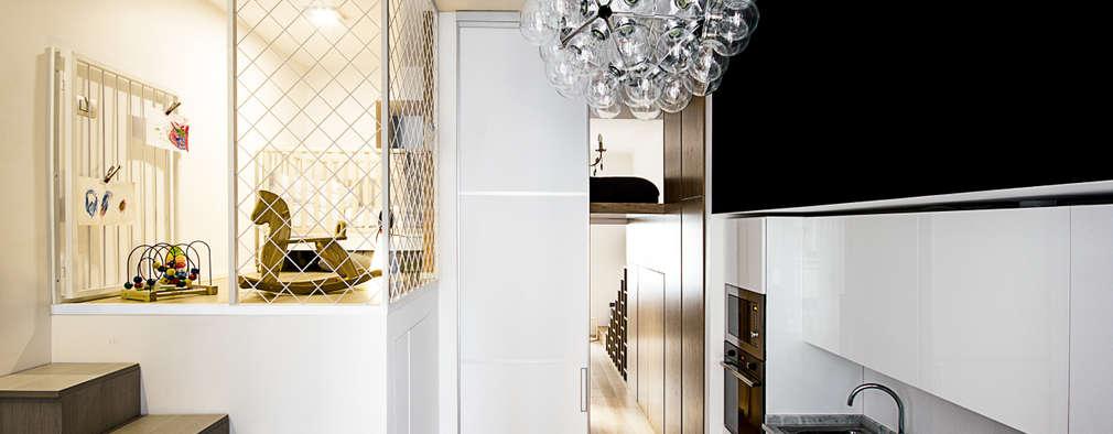 Casa 40: Cucina in stile in stile Moderno di Studio Tenca & Associati