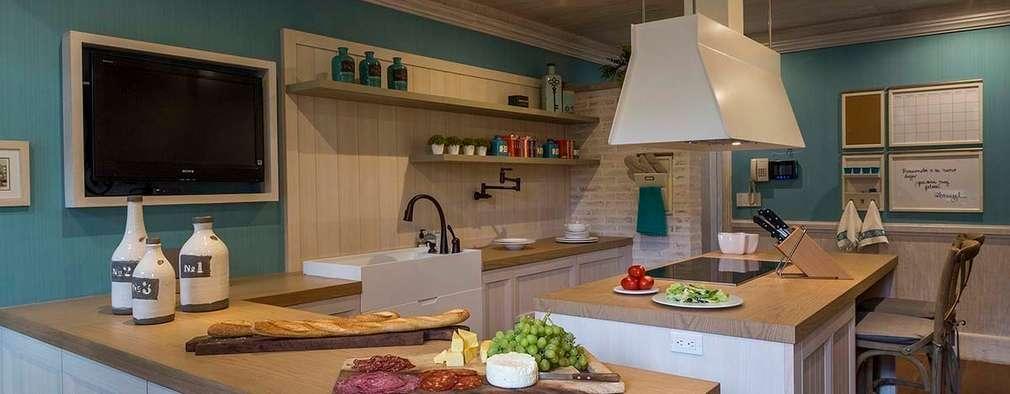Cocinas de estilo rústico por MARIANGEL COGHLAN