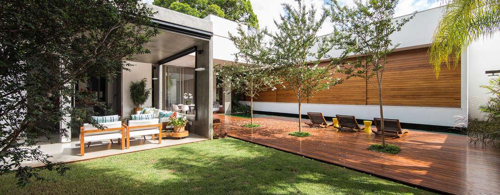 Jardines de estilo moderno por Felipe Bueno Arquitetura