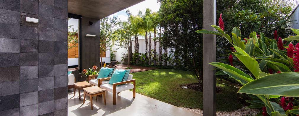 بلكونة أو شرفة تنفيذ Felipe Bueno Arquitetura