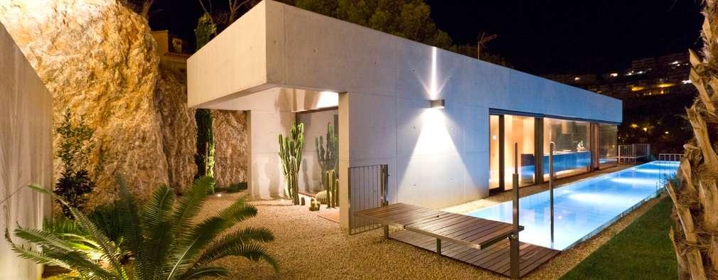 minimalistic Garden by Ascoz Arquitectura