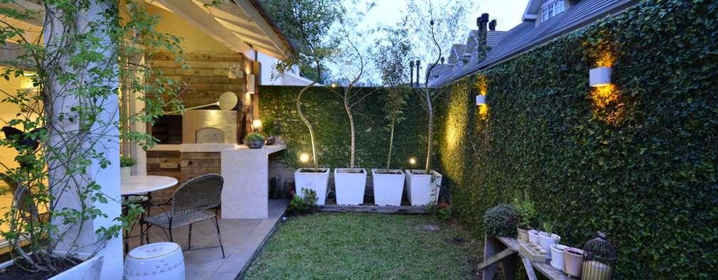 Casa moderna de un piso con un jardín maravilloso