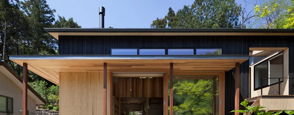 木製サッシ廻りファサード: HAN環境・建築設計事務所が手掛けた家です。