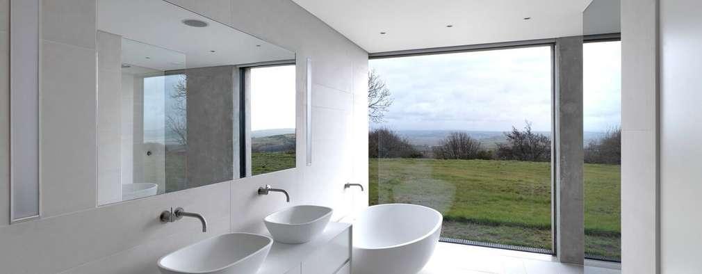 Ванные комнаты в . Автор – LOYN+CO ARCHITECTS