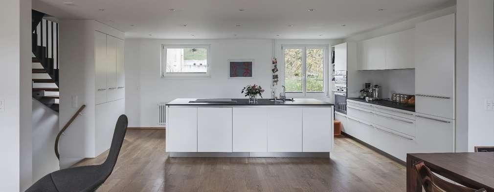 Wohnen, Essen Und Kochen: Klassische Wohnzimmer Von Beat Nievergelt GmbH  Architekt