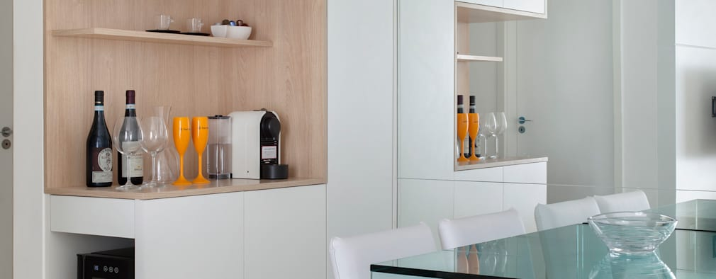 Гостиная в . Автор – Carolina Mendonça Projetos de Arquitetura e Interiores LTDA