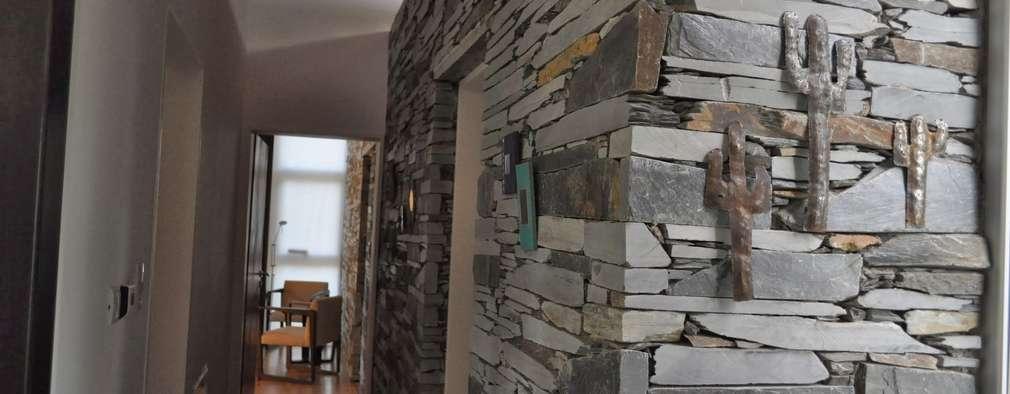 15 ideas para revestir tus paredes con piedra laja for Casas modernas revestidas en piedra