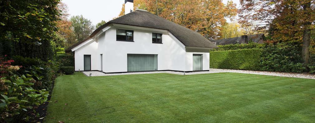 Projekty, nowoczesne Domy zaprojektowane przez Lab32 architecten