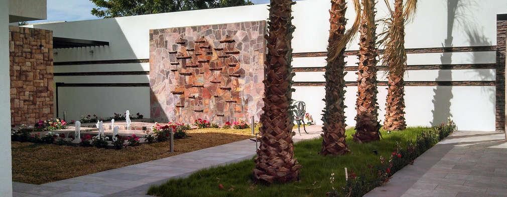 Vista de Fuente Muro lloron: Jardines de estilo moderno por Acrópolis Arquitectura