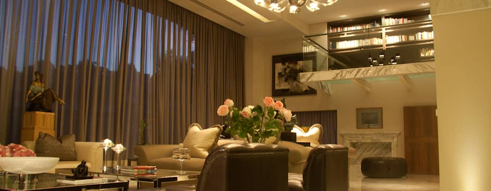 Residencia  Vertientes: Salas de estilo moderno por Iluminarq